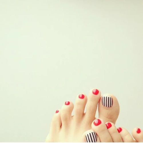 Image via We Heart It #manicure #nailart #nailpolish #nails #pedicure