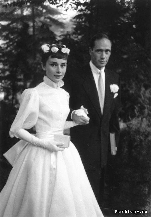 Свадебные образы самых стильных женщин 20 века / свадебные платья одри хепберн