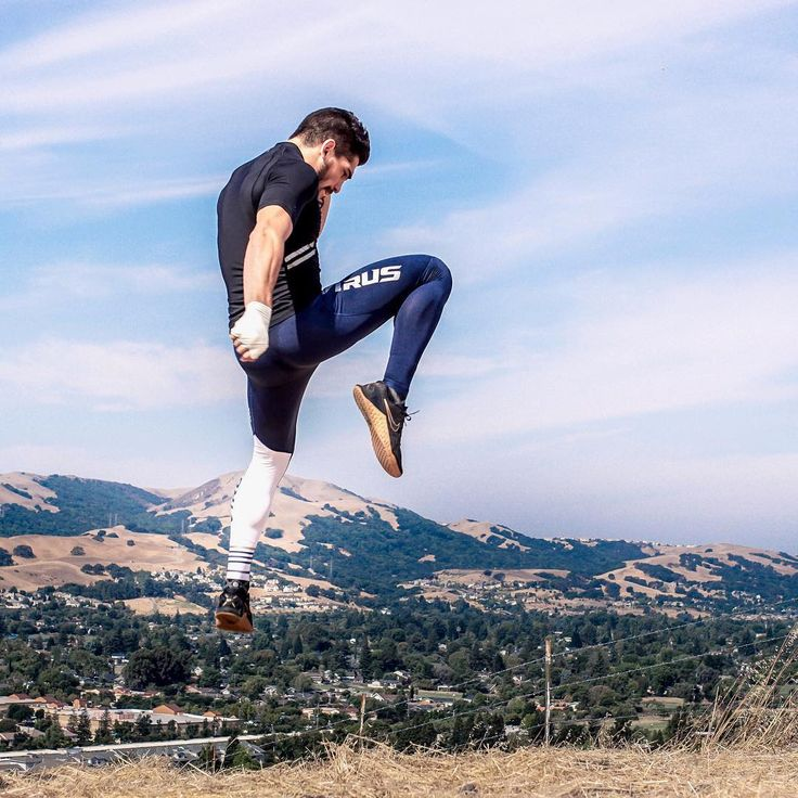 Take flight. | Men's RX8 Navy|White Compression Tech Pant | virusintl.com | Athlete // @dreamkiller_bolanos | @virusintl #virusintl #thepassionthatdefinesyou Photo // @kxfotografia