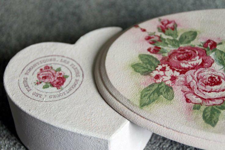 Vintage roses handmade wedding decor #decoupage #wedding
