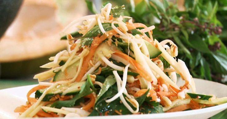 Découvrez cette recette de Salade vietnamienne au Nuoc Nam pour 4 personnes, vous adorerez!