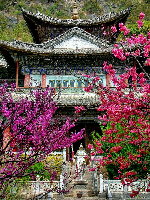 "Chinese traditional house #China - Double click on the photo to Design & Sell a #travel guide to #China www.guidora.com  ""Chinese garden"""