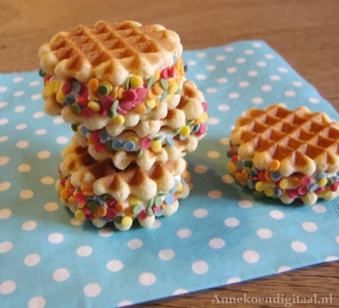 Feestelijk blog over Traktaties, Sweet Tables en Taart!: Confetti Wafeltjes