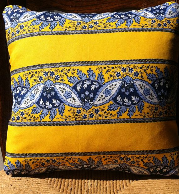 25 Best Ideas About French Country Fabric On Pinterest: Best 25+ Blue Yellow Kitchens Ideas On Pinterest