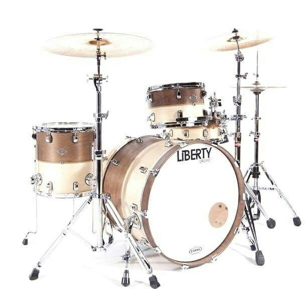 Liberty Drums 4pc kit Classic in 2tone finish.