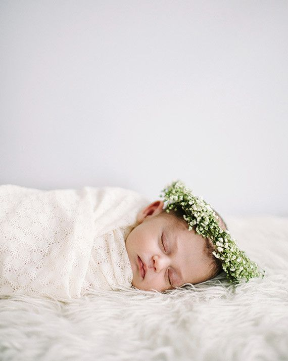 Spring Newborn Photos by Corrina Walker Photography | 100 Layer Cakelet