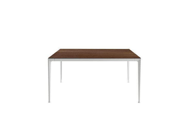 Table: MIRTO - Collection: B&B Italia - Design: Antonio Citterio