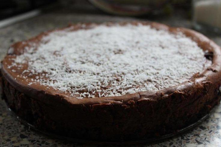 Met deze chocolade cheesecake verover je de harten van al je gasten! Recept met chocolade en kokos. www.girlalmighty.nl