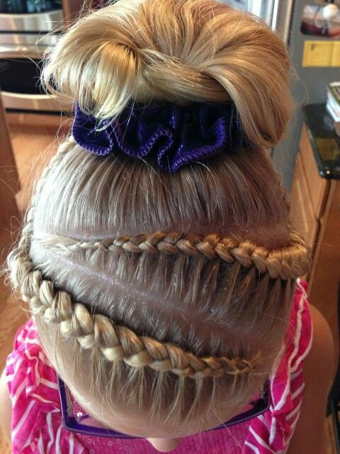 gymnastic hair styles 25 best ideas about gymnastics hair on 6079 | 15e5599a698a801cbe5340d0f124ea78 fitness shirts nata