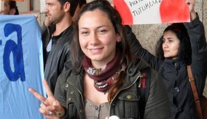 Egemen Bağış'a yumurta atan öğrenciye 5 ay hapis