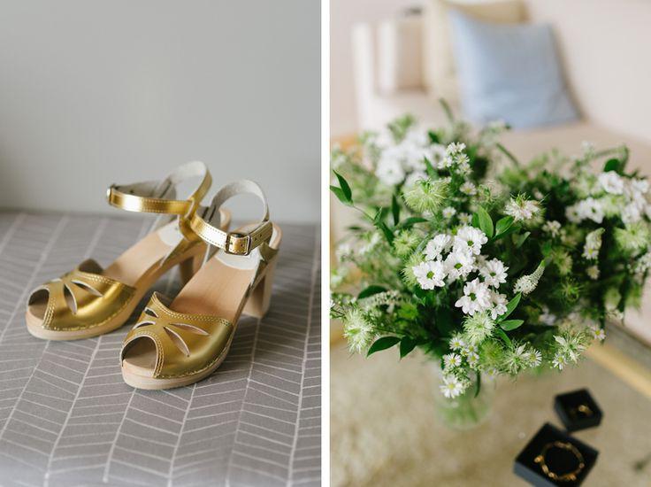 gold wedding shoes bridal accessories Julia Lillqvist | Anna and Jani | Bröllop Stundars | http://julialillqvist.com