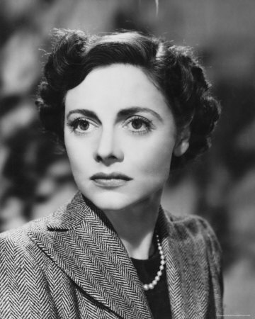 """Celia JOHNSON (1908-1982) [] Not a 'Hollywood' actress, based in England ~ Notable films: In Which We Serve (1942); This Happy Breed (1944); Brief Encounter (1945); I Believe in You (1951); The Holly and the Ivy (1952); The Captain's Paradise (1953); The Prime of Miss Jean Brodie (1969); Mrs. Palfrey at the Claremont (1973); Staying On (1980); The Potting Shed (1981). Photo: in """"Brief Encounter"""""""