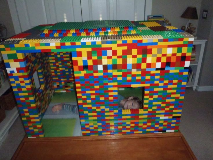 Kid Inspiration - All for the Boys - Fort Friday: LEGO Edition