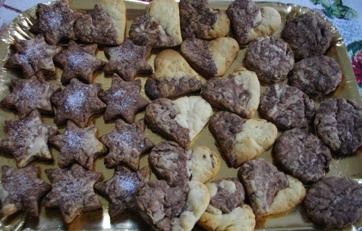 Biscotti al cacao e gocce di cioccolato - www.cucinandomania.it