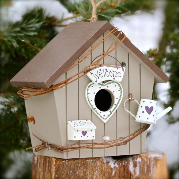 Fachgerechte Nistkästen, Vogelhäuschen und Vogelhäuser mit dekorativen Elementen. http://www.vogeltreff24.de/Vogelhaeuser/