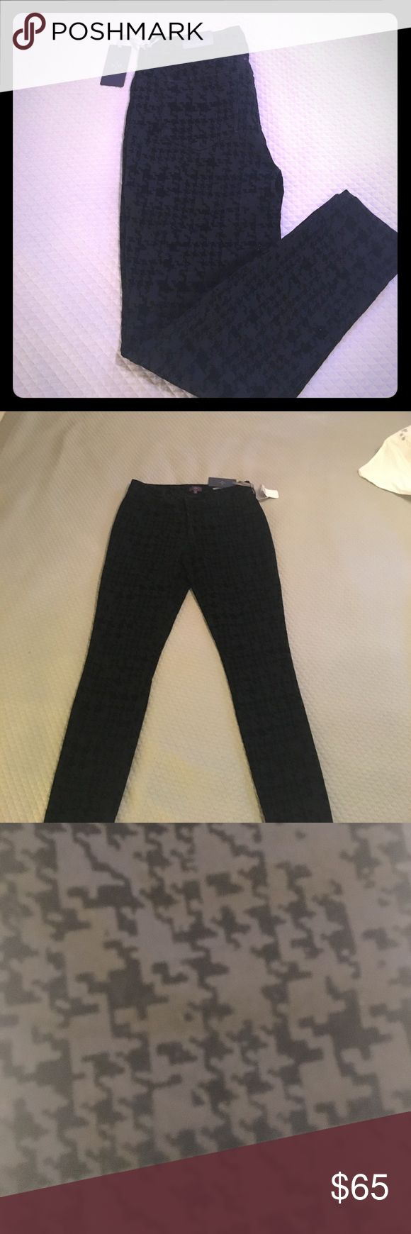 NWT NYDJ Black Skinny Pants New with tags // cotton poly spandex blend // super skinnies // houndstooth pattern // extremely cute and stylish NYDJ Pants Skinny