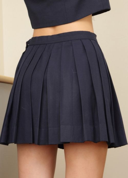 some girls, style, fashion, blog, school girl, pleats, navy, back to school