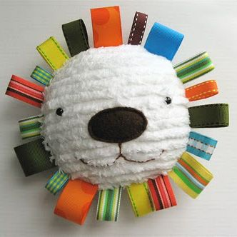 Lion Stuffing http://idee-creative.fr/idees-loisirs-creatifs-speciales/idees-cadeaux-creatifs/creer-un-doudou-simple-et-craquant/