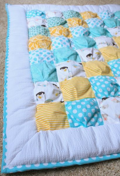 """FREE SEWING PATTERN:  PUFF QUILT - """"Can a beginner sewer do this?"""" and she responded sweetly, """"You could definitely make this quilt!  I was a beginner when I made my first puff quilt, and I didn't have a pattern to follow, I was just winging it.  Just don't expect complete perfection.""""   With that, I decided that I would attempt to make a puff quilt for my new little one, and I dove headfirst into the world of fabric."""
