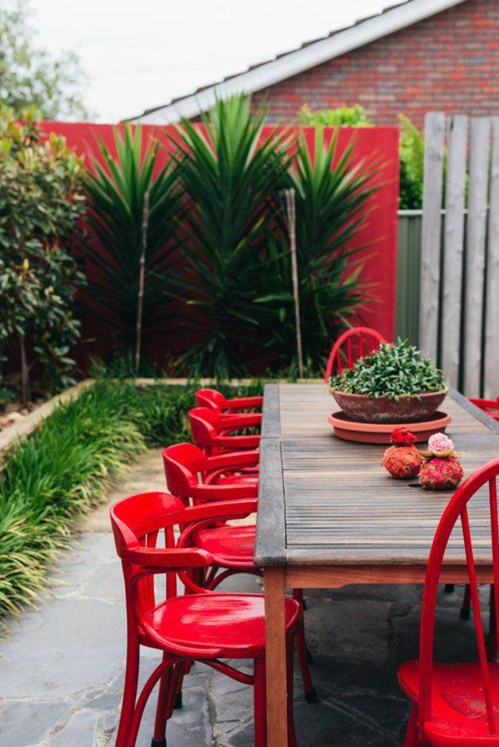 meubles de jardin en bois, chaises de jardin rouges en bois, salon de jardin pas cher