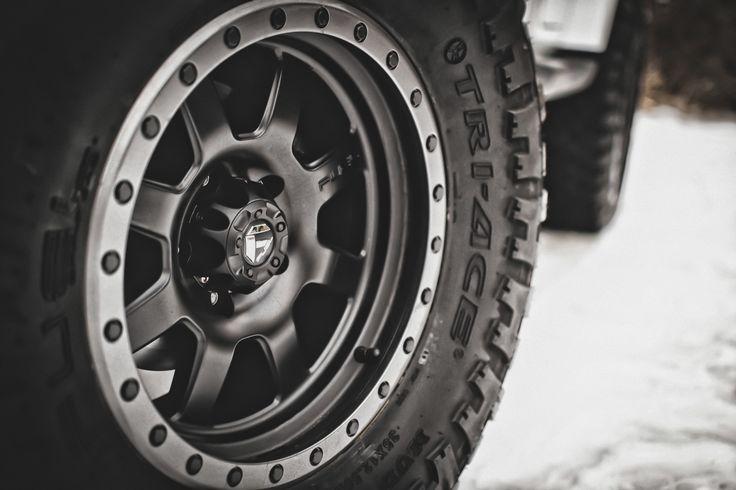 E A D E E B B E E on Black Jeep Wrangler Renegade