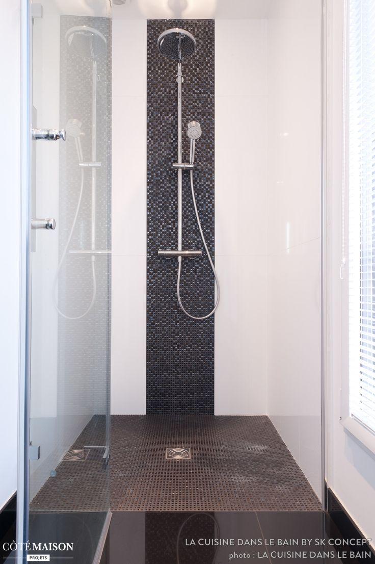 une frise de carrelage pour donner un look moderne votre salle de bains salle de bain. Black Bedroom Furniture Sets. Home Design Ideas