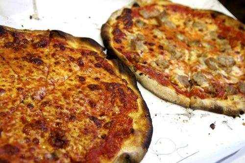 20110919-New-haven-pizza-pepes-modern-zuppardis-apizza6.jpg