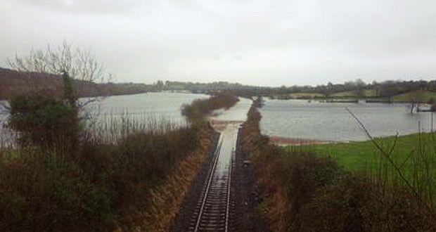 Наводнение нарушило железнодорожное сообщение Лимерик-Голуэй  