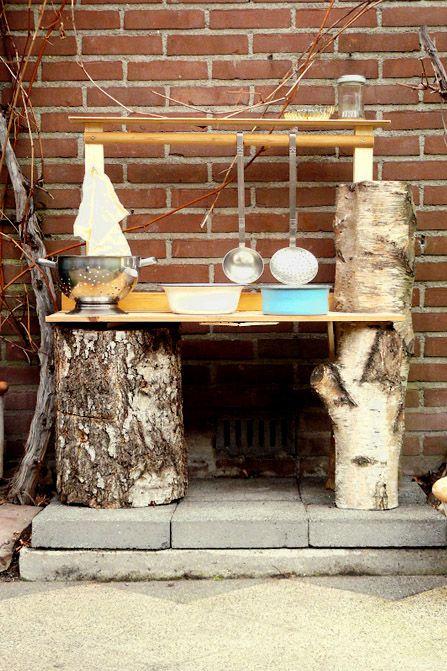 Maak een Mud pie kitchen voor buiten   Kiind Magazine