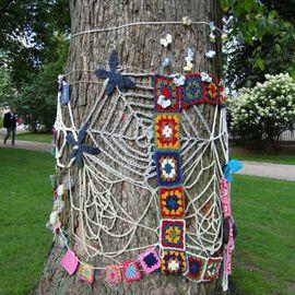 granny squares and webs via crochetspot