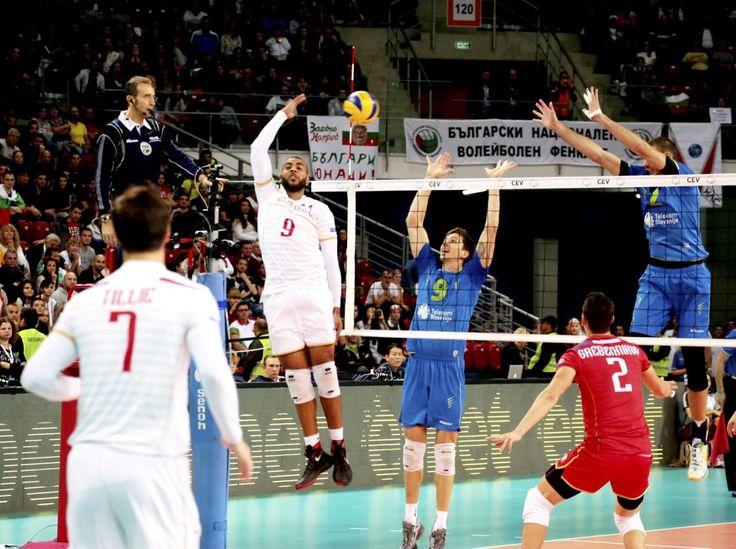 Pas très académique mais donne le point de la victoire # volley#france Earvin Ngapeth, ressuscité, a conclu la finale sur un incroyable point. Il est convaincu qu'après ce titre  la France ne quittera plus le top niveau.