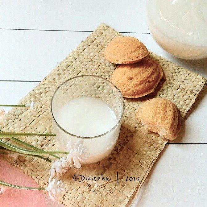 Milk and sweet bread for breakfast