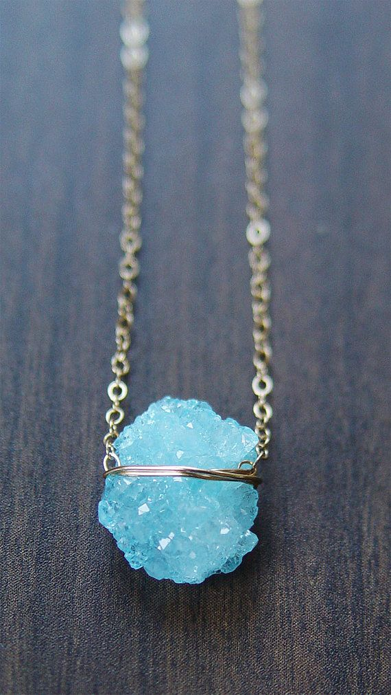 SALE Aqua Chrystal Necklace Gold von friedasophie auf Etsy
