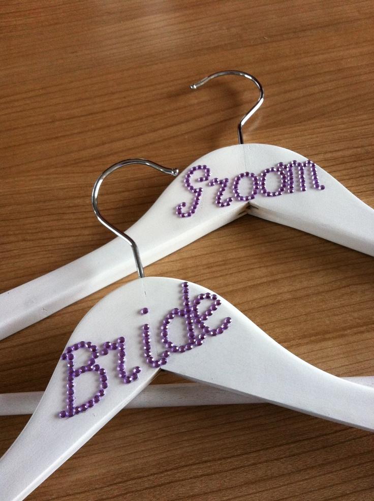 Zelfgemaakte bruiloft kleerhangers, selfmade wedding hangers