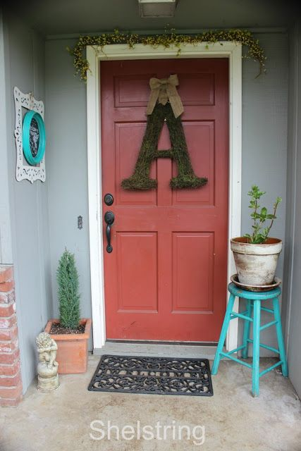 DIY my Spring Front Porch makeover. All my favorite elements!!  www.shelstring.com