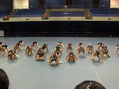 Bella Vista High Cheerleaders UCA Cheer Camp 2010 - YouTube