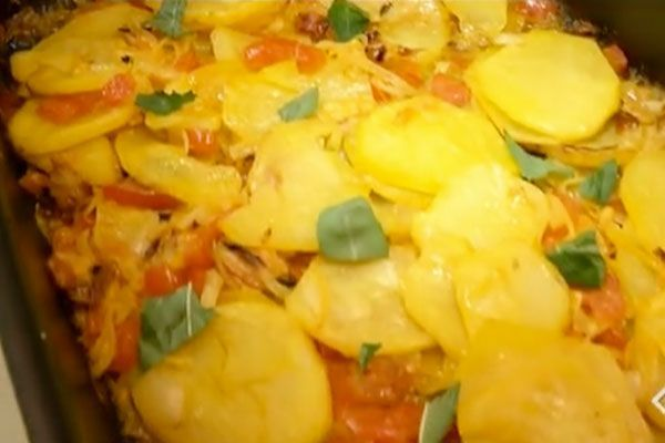 Ricetta Patate al forno saporite - cotto e mangiato