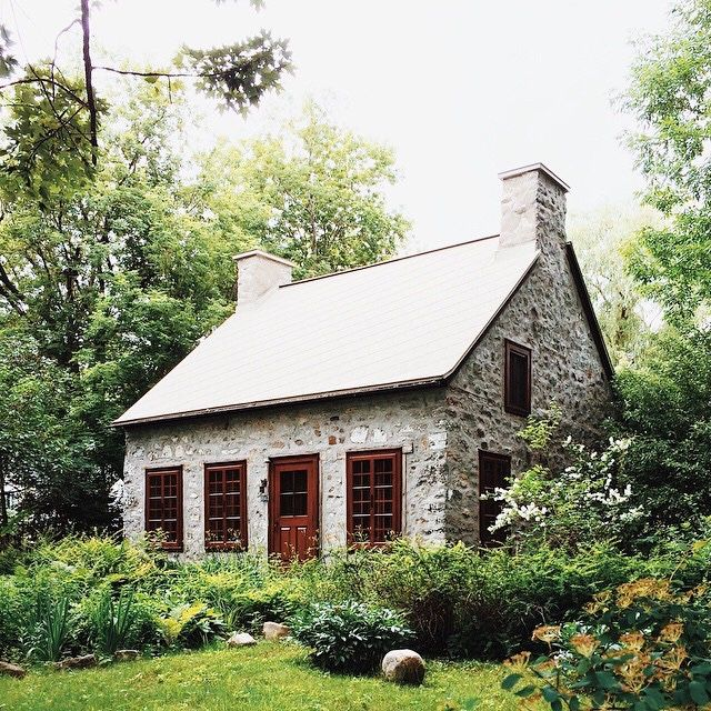 50 best stone farmhouse images on pinterest stone homes for Small stone cabin