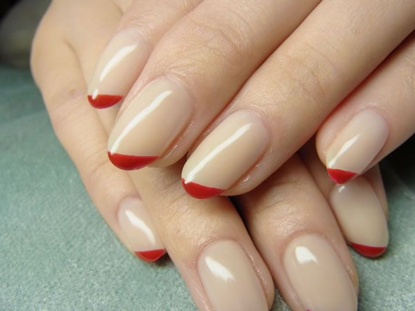 Loving this #wedding #nails #red