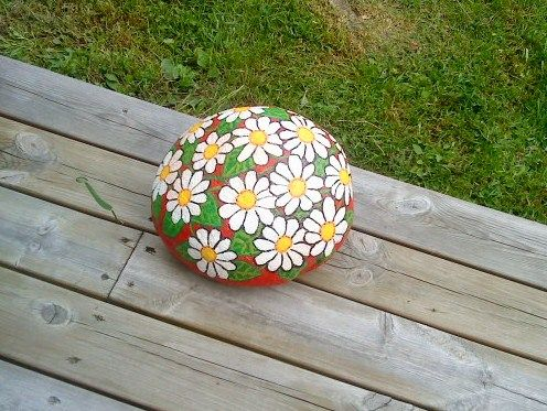 Flowers painted on stone