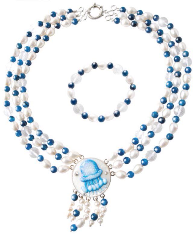 """Girocollo e bracciale """"Medusa"""" nei colori del mare! """"Trasparenti sfere in cristallo di rocca danno la sensazione di indossare gocce di mare sulla pelle!"""" Anna Stile Jewels"""