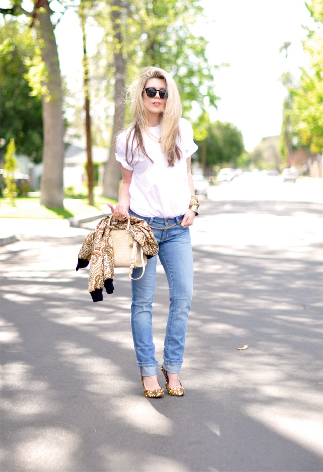 Jeans & a White T Outfit No. 3  ~ Ode to 90's Versace: Style 3, Outfit, Girl Style, Girls Style