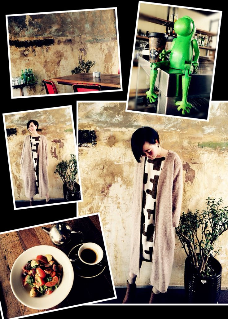 Little Gem of a cafe: #dosecafe , the artistic wall print is a perfect match with my outfit today^^ style available@ www.firklover.co.nz #firklovernz #fashion #retrostyle #mystyle