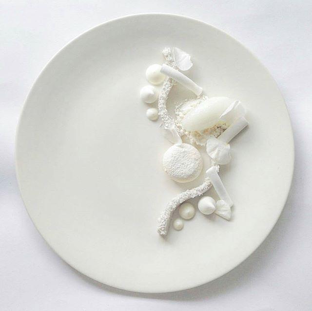 Coconut Pannacotta • parfait • yogurt • meringue • sorbet • snow • marshmallow • @chefmartinmerz #food #foodie #foodporn #foodgasm #foodgram #foodphotography #parfait #coconut #icecream #pannacotta #pastry #yogurt #meringue #goodlife #cheflife #pastrychef #white #art #artonaplate #sweet #dessert #sweettooth #fancy #instafood #chocolate #marshmallow #baking #snow #fruit #patisserie .