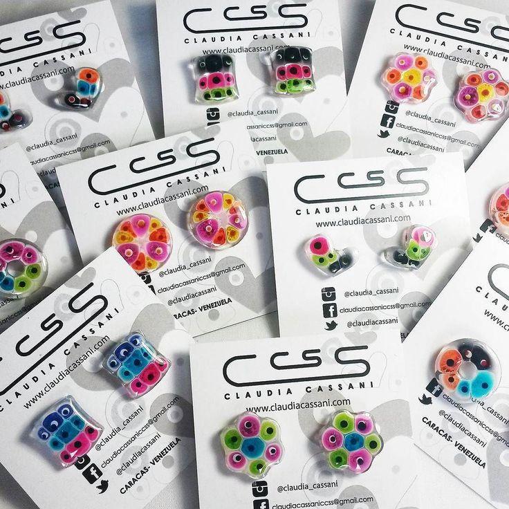 Zarcillos en acrílico transparente!!! los llamamos #CandyColors porque parecen hermosos caramelos llenos de color. #ClaudiaCassani