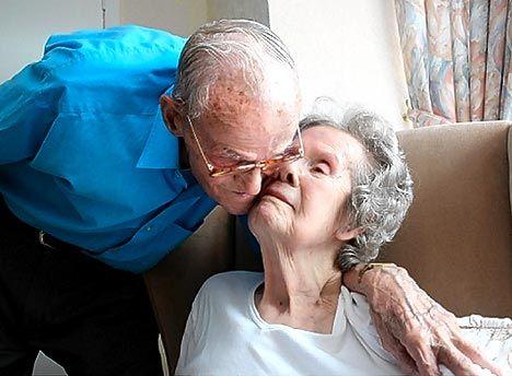 images about I LOVE THE ELDERLY on Pinterest   Old men     Pinterest