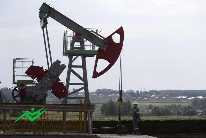 النفط يتراجع ولكنه يستقر قرب اعلى مستوى فى يونيو