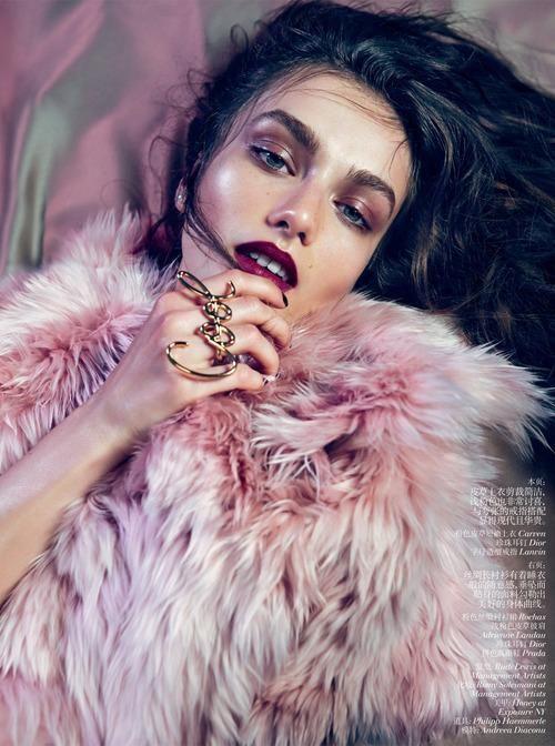 Pink Fur #art #creation #tendance #jewelry #bijouterieenligne #bijouxenor #bijouxargent #bijouxcorail #redcoral #luxury #artisanat #joaillerie #cadeau #enligne #bijouxfantaisie #bijouxmrm #monbijoutier http://www.bijouxmrm.com/ https://www.facebook.com/Bijoux-MRM-388443807902387/ https://www.instagram.com/bijouxmrm/ https://fr.pinterest.com/bijouxmrm/