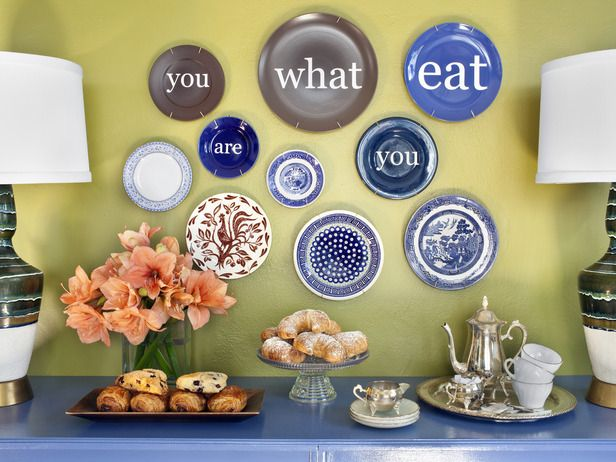 how to display a favorite saying on vintage plates misc flea markets repurposing and. Black Bedroom Furniture Sets. Home Design Ideas