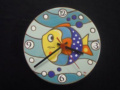 ceramica come mestiere: Orologi in cuerda seca. Originali, colorati e simopatici.